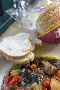 Salada de Beringela com Pão