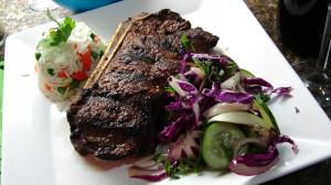 Steak com Arroz Maluco e Salada